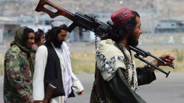 Fuerzas talibanas aseguran el Aeropuerto Internacional Hamid Karzai