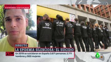 """""""Mañana te puede tocar a ti"""": grito desesperado de un joven en defensa de la salud mental después de que su madre se suicidara"""