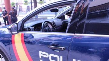Un hombre agrede a su pareja y a un agente de Policía en Ontinyent
