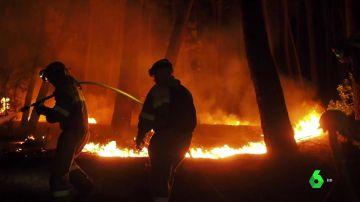 El incendio de Ribas de Sil (Lugo) arrasa 1.000 hectáreas y es ya el peor de la temporada en Galicia