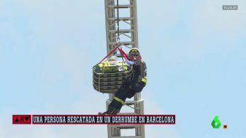 Al menos dos heridos tras derrumbarse un edificio en obras en Barcelona