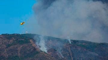 El Gobierno activa a la UME en el incendio de Sierra Bermeja: ya hay 6.000 hectáreas afectadas y dos municipios más desalojados
