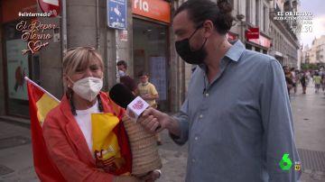 """Una mujer comienza a llorar en pleno reportaje de El Intermedio al recordar que Sánchez es presidente: """"España me duele"""""""