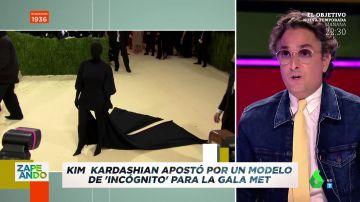 """La reacción de Josie al ver el potente look de incógnito de Kim Kardashian en la Gala MET: """"¿Va de gota de petróleo?"""""""