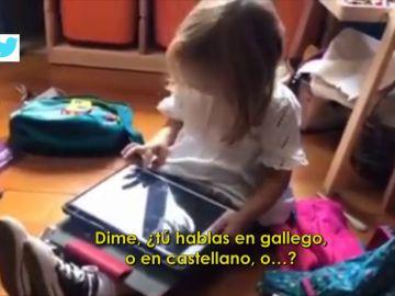 """La respuesta de viral de una niña a Siri cuando dice que no la entiende: """"Es que yo hablo en gallego, ¿sabes?"""""""