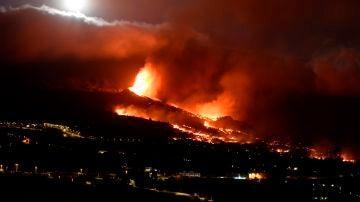 El volcán de Cumbre Vieja en La Palma en erupción