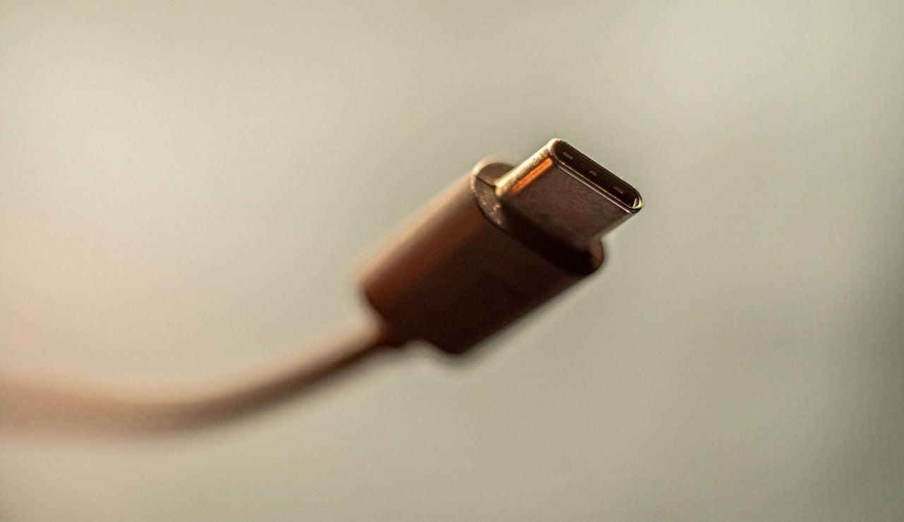 Europa impone el USB tipo C como cargador único, también para los iPhone