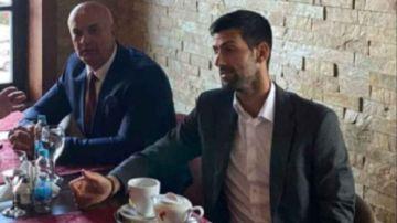 Novak Djokovic con Milan Jolovic