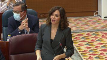 """La 'sugerencia' de Ayuso a Mónica García para """"disfrutar Madrid"""""""