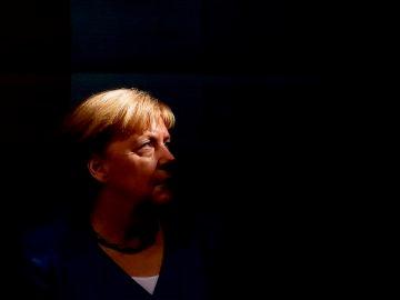 La canciller alemana Angela Merkel asiste al cierre de campaña electoral del CDU