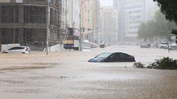 Mascate (Omán), tras la llegada del ciclón Shaheen