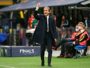 El seleccionador italiano, Roberto Mancini, durante el partido del conjunto contra la selección española.