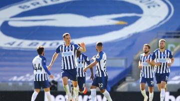 Detienen a un jugador del Brighton inglés por presunto abuso sexual