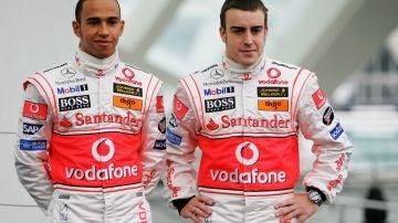 Lewis Hamilton y Fernando Alonso en McLaren