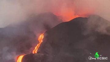 El volcán de La Palma expulsa lava con fuerza