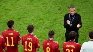 Luis Enrique aplaude a sus jugadores tras caer frente a Francia en la final de la Nations League