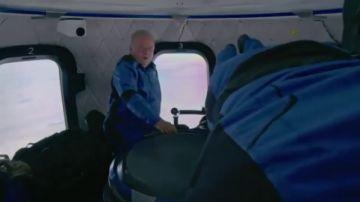 El mítico capitán Kirk de Star Trek viaja de verdad al espacio a los 90 años