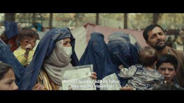"""El mensaje de auxilio de las afganas junto a sus bebés: """"Aguantaremos una semana, llega el invierno y hay niños enfermos"""""""