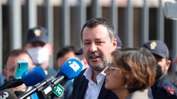 Salvini a la salida de la primera vista del juicio