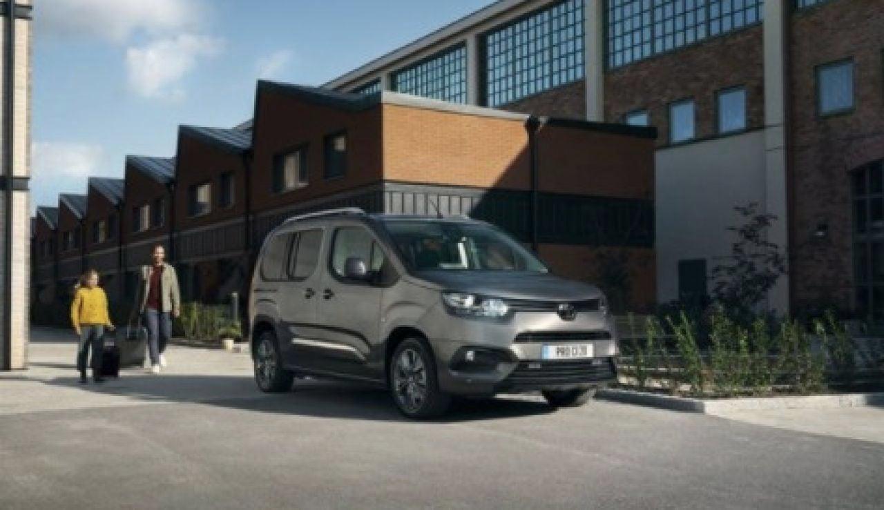 Toyota actualiza la gama del Proace City, que se fabrica en España