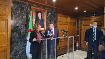 Teresa Ribera, junto al ministro argelino de Energía y Minas