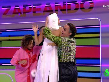 Cristina Pedroche se viste de novia con Josie